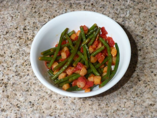 Sautéed Green Beans with Diced Tomatoes